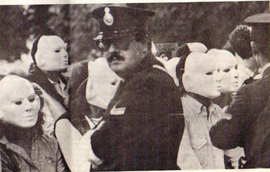 Marcha de Máscaras (March of the Masks), April 1985, Plaza de Mayo, Buenos Aires. Photograph: Domingo Ocaranza Bouet