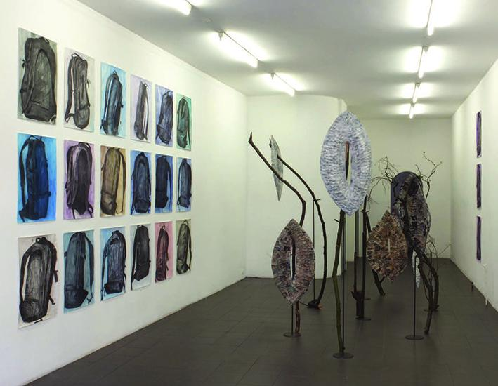 Shelly+Nadashi%2C+Backpacks+and+other+objects%2C+charcoal+and+gouache+on+paper%2C+papier-m%C3%A2ch%C3%A9%2C+sticks+and+metal+legs.+Installation+view%2C+%C3%89tablissement+d%27en+face%2C+Brussels%2C+2014.+Courtesy+the+artist